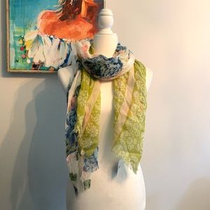 Floral scarf Light & Summery! **PRETTY**